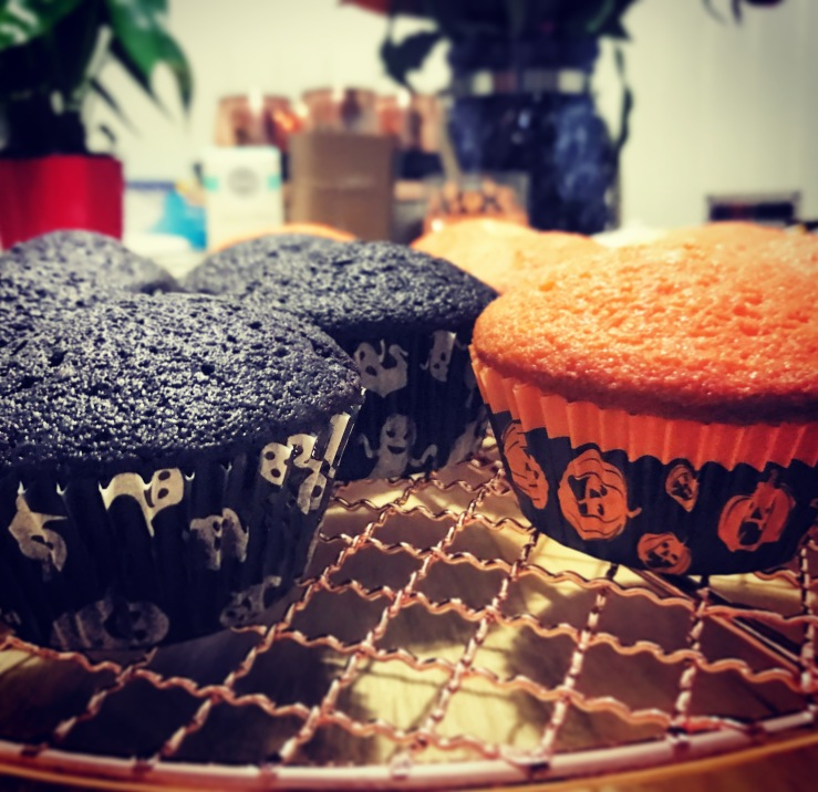 Halloween Cupcakes Unfrosted